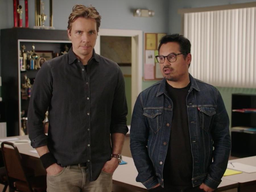 """Michael Peña y Dax Shepard te invitan a ver este clip exclusivo de la película """"CHIPS"""""""