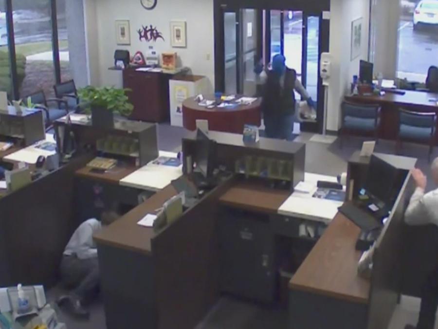 trata de robar banco