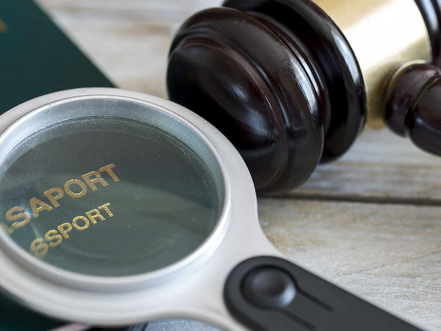 Planean aumentar jueces de inmigración  en 12 ciudades de EEUU