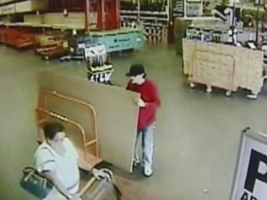 ladron embiste a guardia