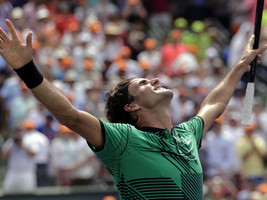 Federer se corona en el Masters de Miami