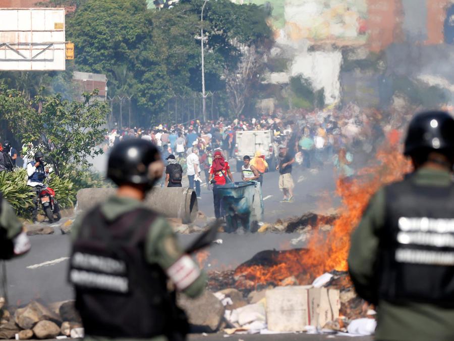 policia reprime protestas