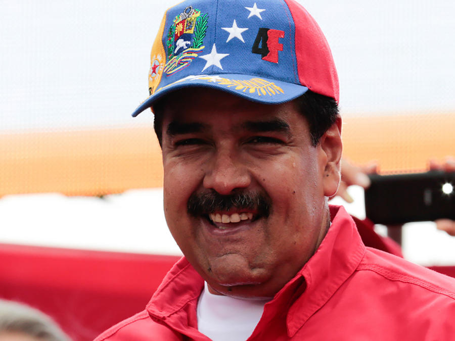 Maduro muestra sin darse cuenta pintada en su contra