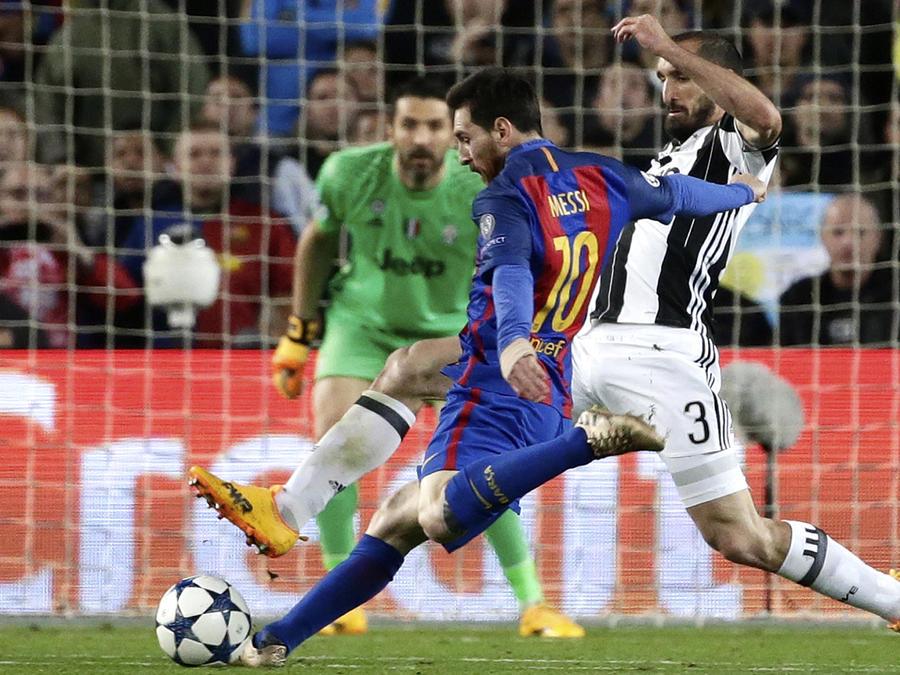 Barcelona derrota al Real Madrid con golazo de último minuto de Messi