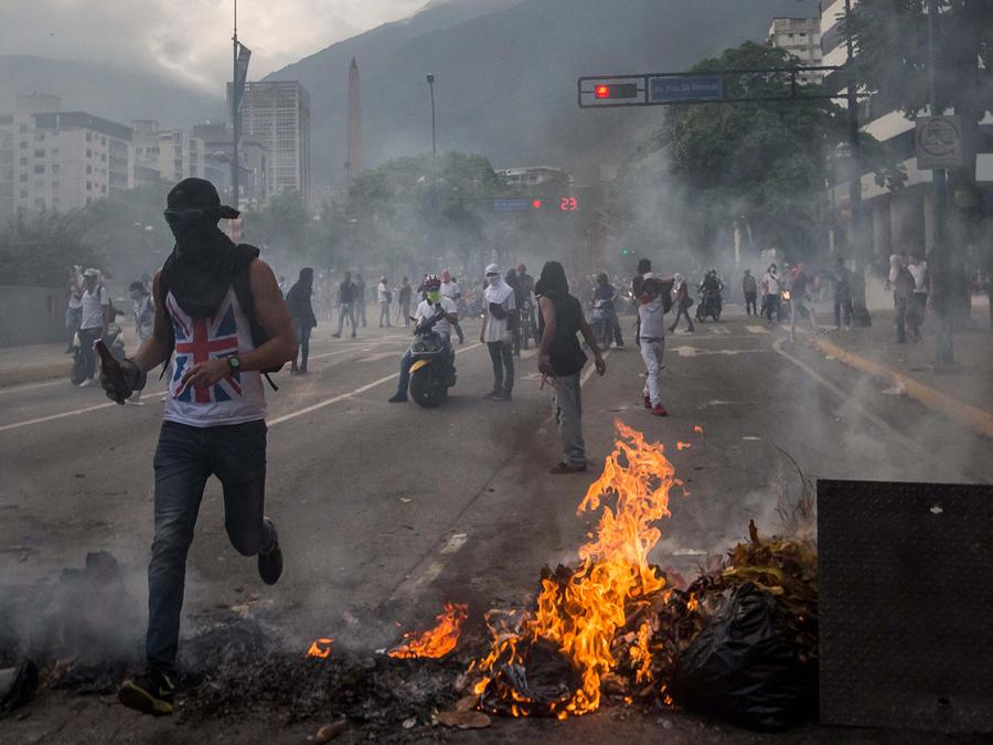 Pasan de 1,300 los detenidos durante protestas en Venezuela