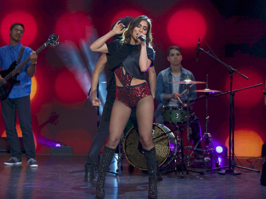 María León cantando en Don Francisco Te Invita