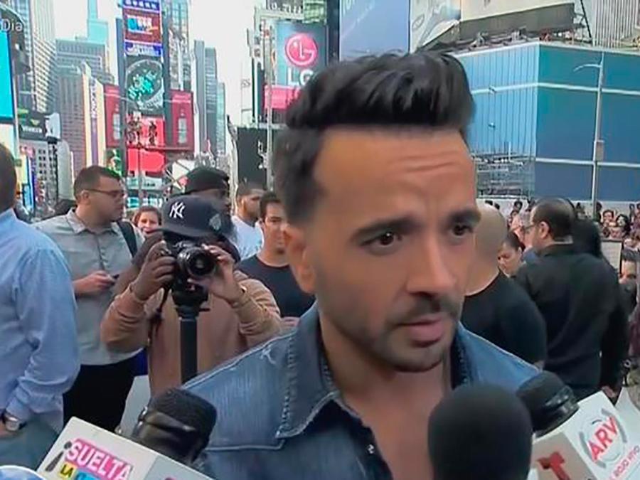 Youtube le rinde un merecido homenaje a Luis Fonsi por su tema Despacito en Times Square
