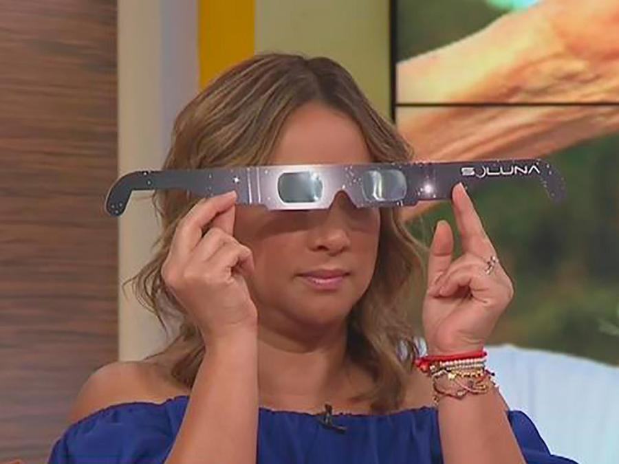 Te explicamos cómo tus hijos pueden proteger sus ojos al ver el próximo eclipse solar