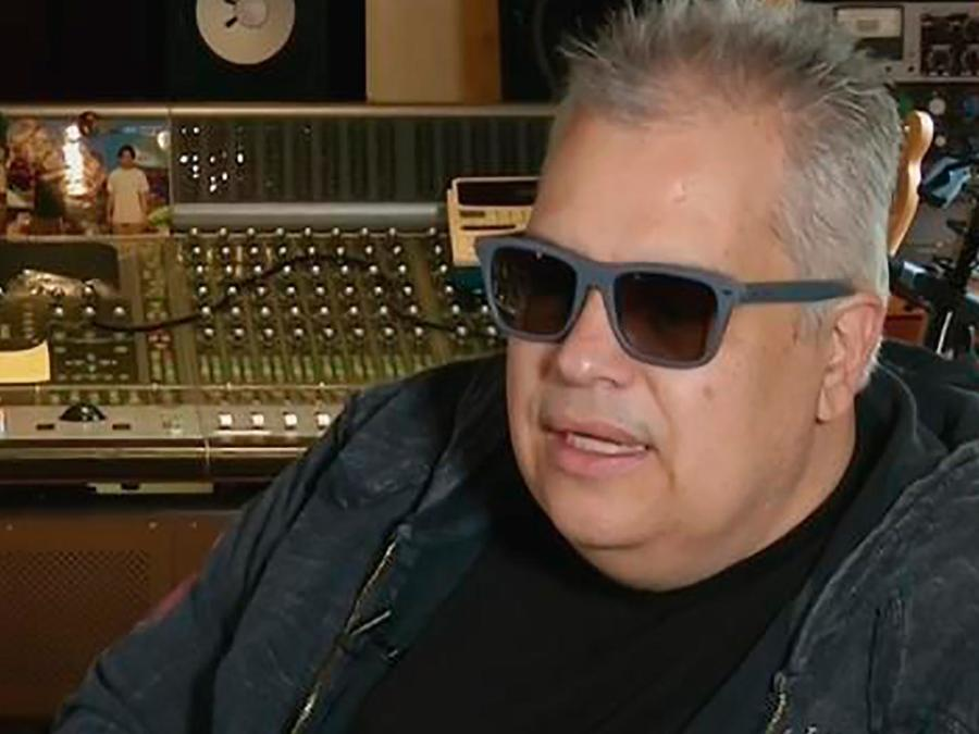 El productor Gustavo Farías confirmó que saldrá un disco de duetos junto a Juan Gabriel