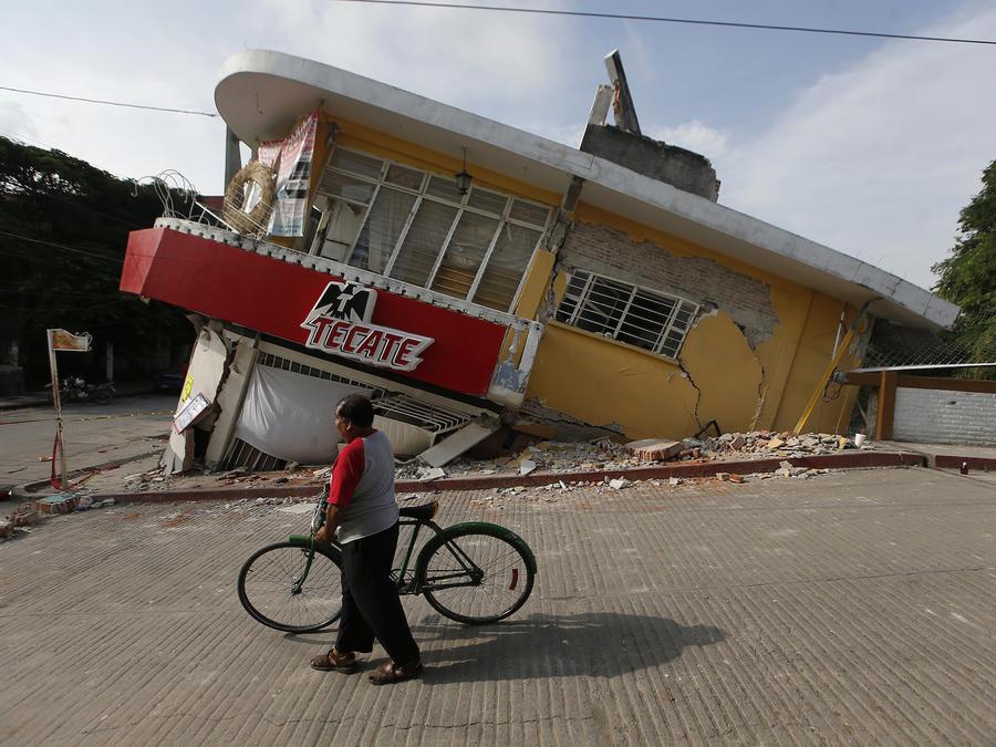 Un edificio derrumbado en Jojutla.