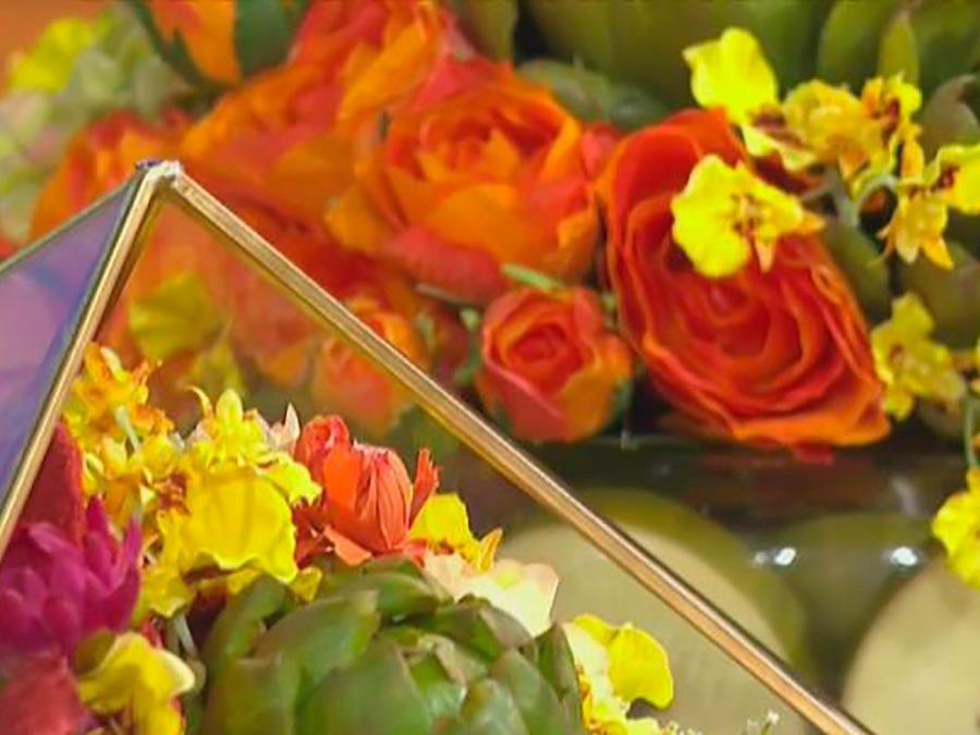 Harrinson Gabor, diseñador de arreglos florales, nos explica cómo hacer un centro de mesa