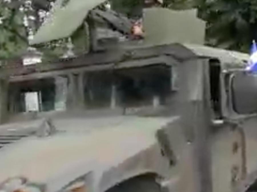 Militares salen a las calles en El Salvador