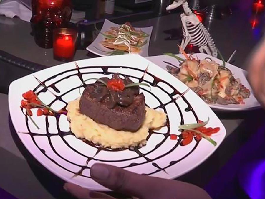 Te llevamos a recorrer un restaurante en Nueva York que celebra Halloween todo los días
