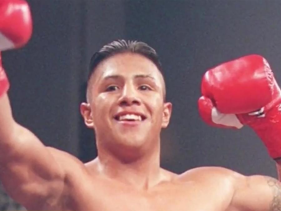 Fernando Vargas es un ex campeón de boxeo que busca sacar a los jóvenes de la calle