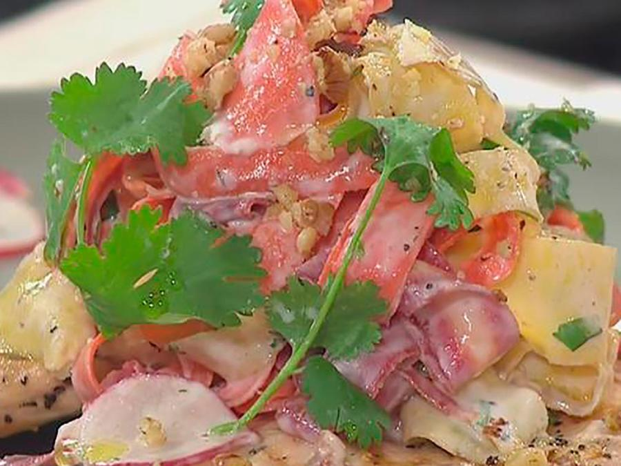 Recetas de cocina: Cómo hacer un delicioso Pollo a la Parrilla con Ensalada de Zanahorias