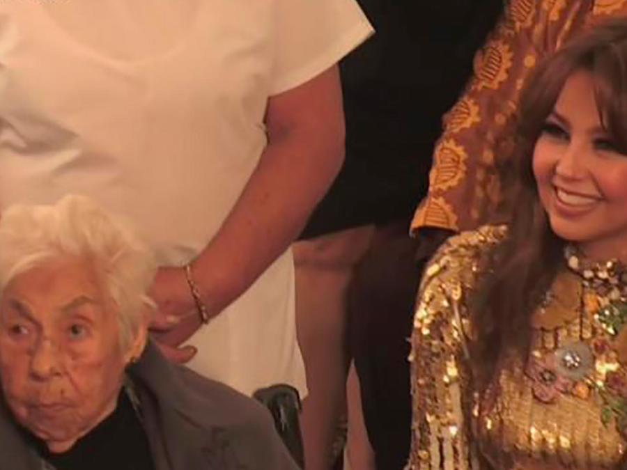Thalía visitó a su abuelita quien cumplía 100 años y te mostramos todo lo que sucedió