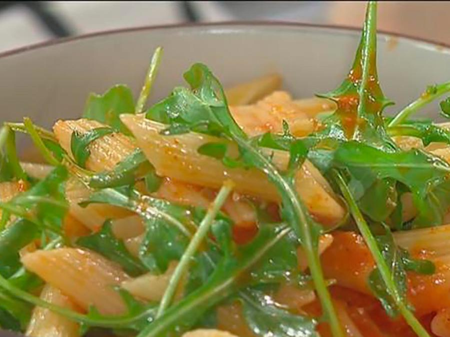 Recetas de cocina: Descubre cómo hacer una Ensalada de Pasta con Romesco