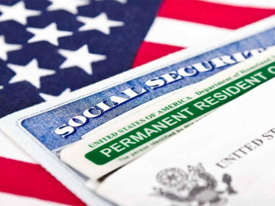 Descubre cuál es el origen de la tarjeta verde en EEUU