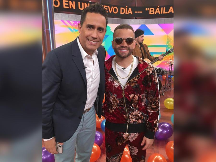 ¡Le rendimos un querido homenaje y reconocimiento al cantautor venezolano Nacho!