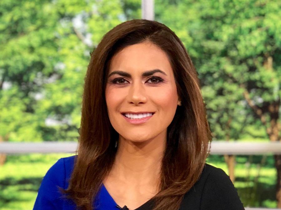 Vanessa Hauc con las noticias de la mañana
