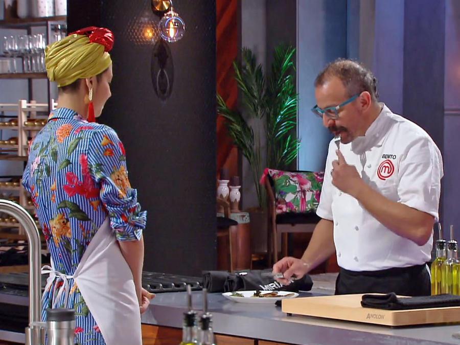 El Chef Benito califica los platos de la prueba de presión