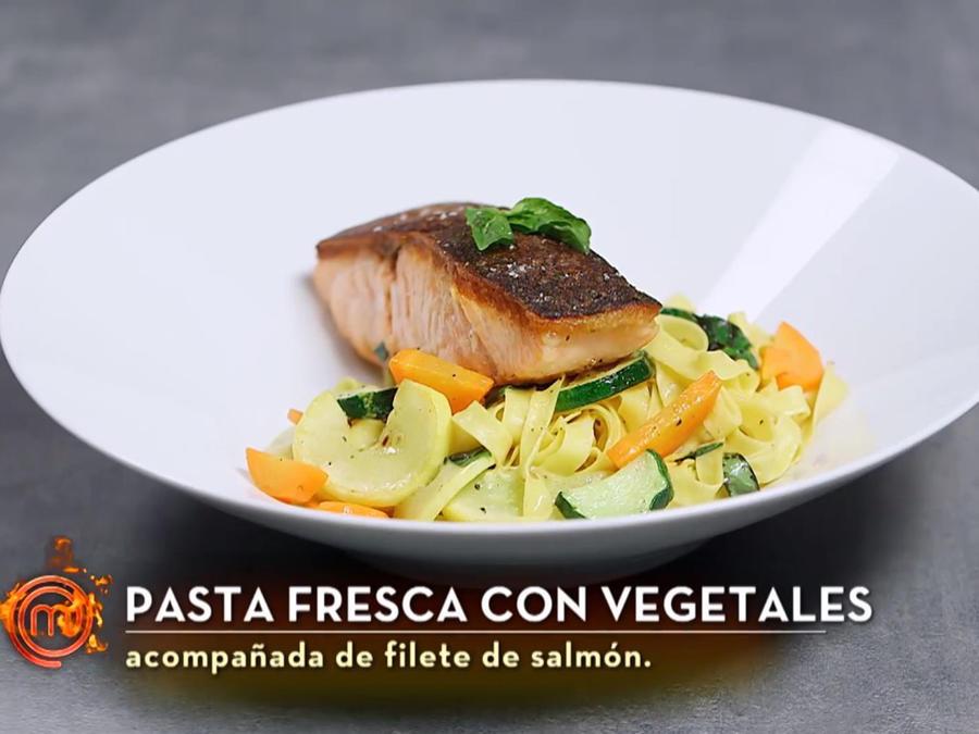 Salmón con pasta de Dennis en MasterChef Latino 2