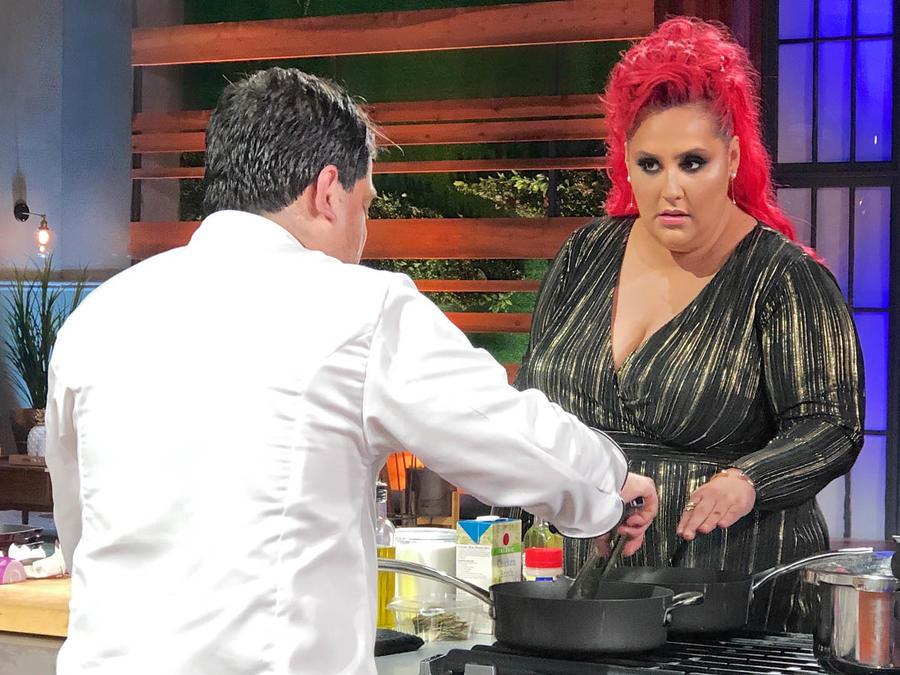 Chef Claudia Sandoval se sorprende porque Javier preparará un suflé en la gran final de MasterChef Latino 2