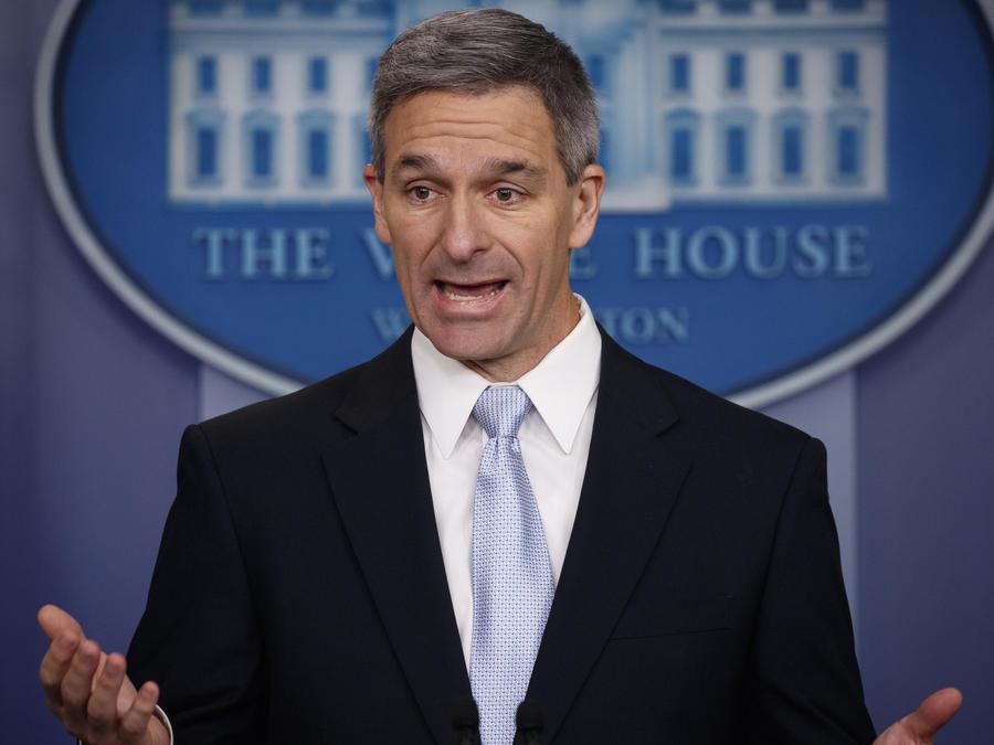 El Director Interino de los Servicios de Ciudadanía e Inmigración de los Estados Unidos, Ken Cuccinelli, este lunes en Washington.