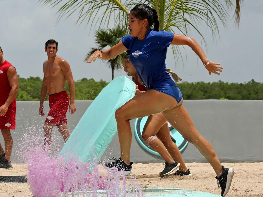 Denisse Novoa acelera en el circuito azul