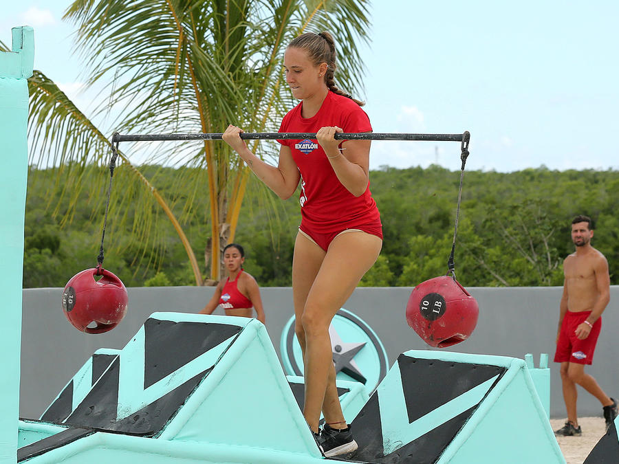 Nicole Regnier carga pesa en circuito