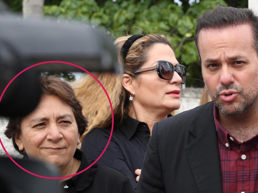 Laura Nuñez, exasistente de José José, junto a su hijo, José Joel
