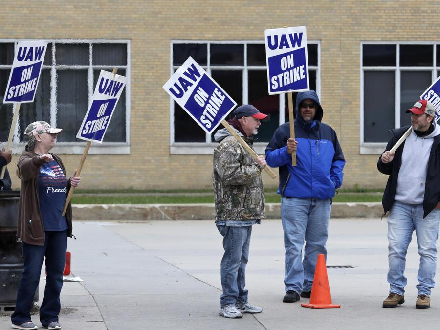 General Motors llega a un acuerdo con empleados tras la huelga de 50,000 trabajadores