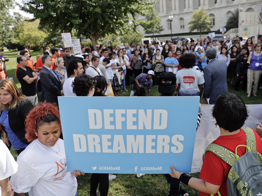 """""""Arriba la liberación, abajo la deportación"""": Miles de dreamers alzaron su voz en defensa de DACA"""