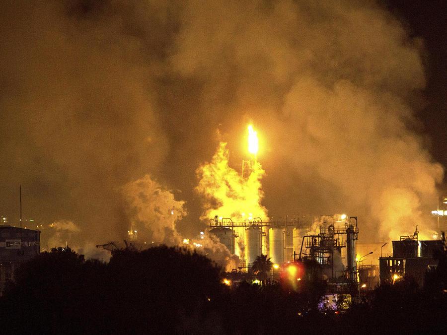 La explosión en la planta industrial en la ciudad de Tarragona, España.