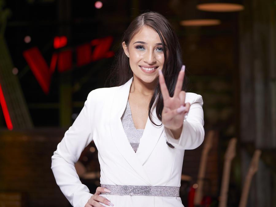Karen Galera, La Voz US 2, Team Wisin