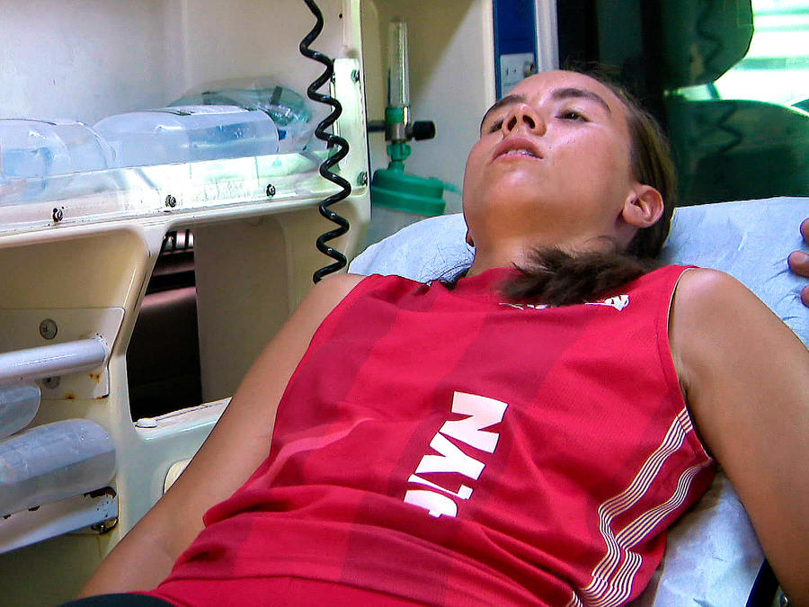 Julyn es atendida en la clínica