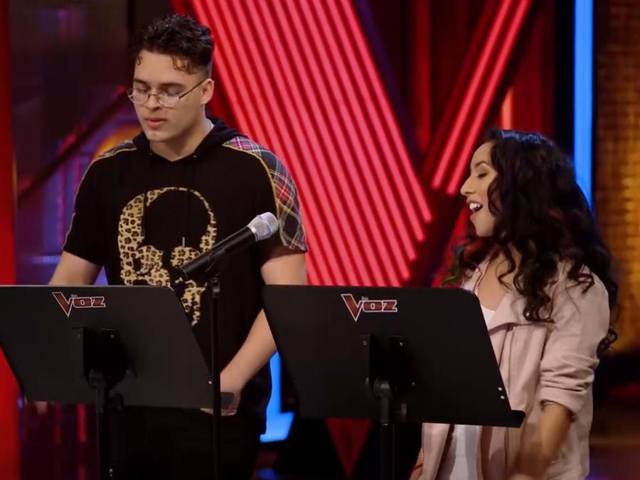 Joselyn Alarcon y Brian Cruz en lps ensayos previos a las batallas de La Voz US 2