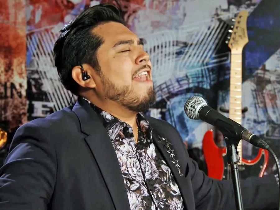 Julio Cesar Castillo en los enfrentamientos de La Voz Us 2