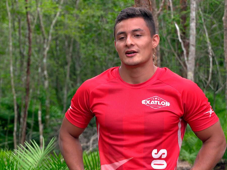 Carlos en entrevista en la Cabaña
