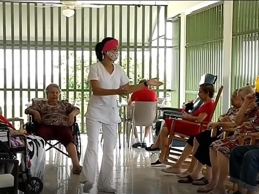 Florida levanta las restricciones de visitas en hogares de ancianos