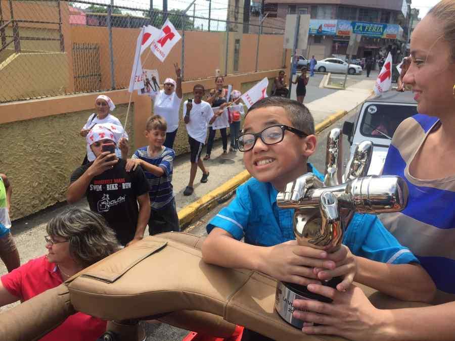 jonael santiago, caravana, puerto rico, trofeo, la voz kids