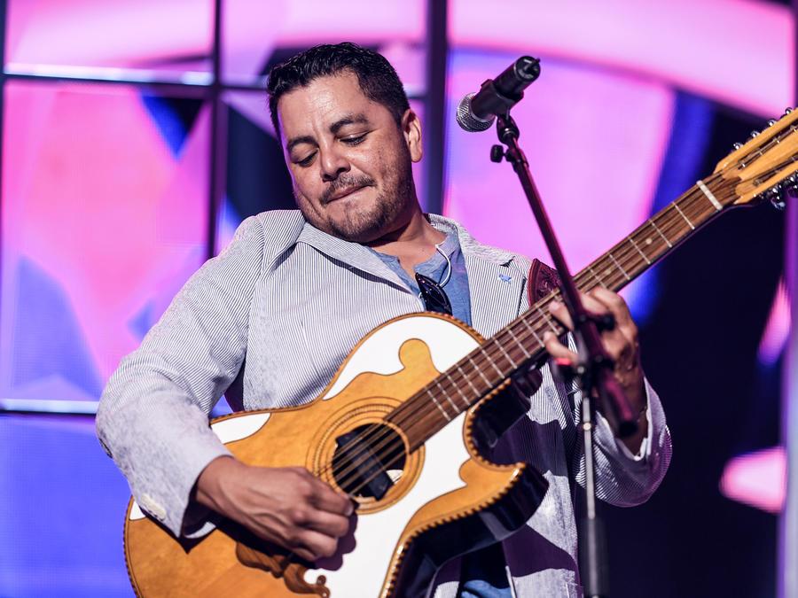 Intocable ensayos Premios Tu Mundo 2016