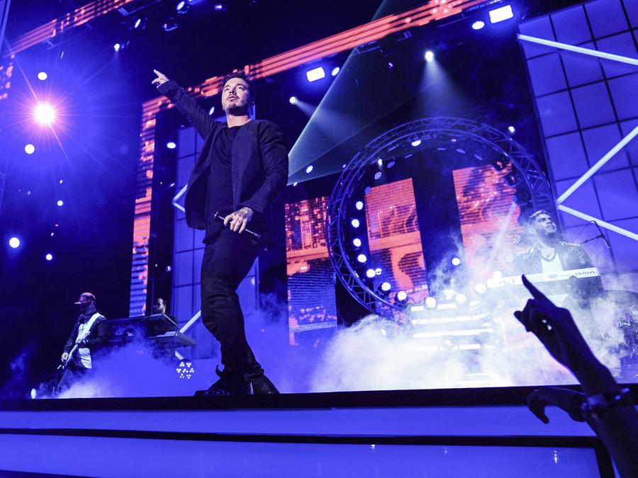 J Balvin en Premios Tu Mundo 2015