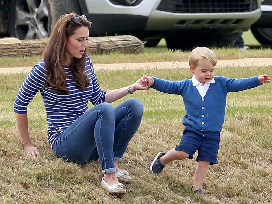 Kate Middleton y el príncipe George en el Festival de Polo en Beaufort Polo Club