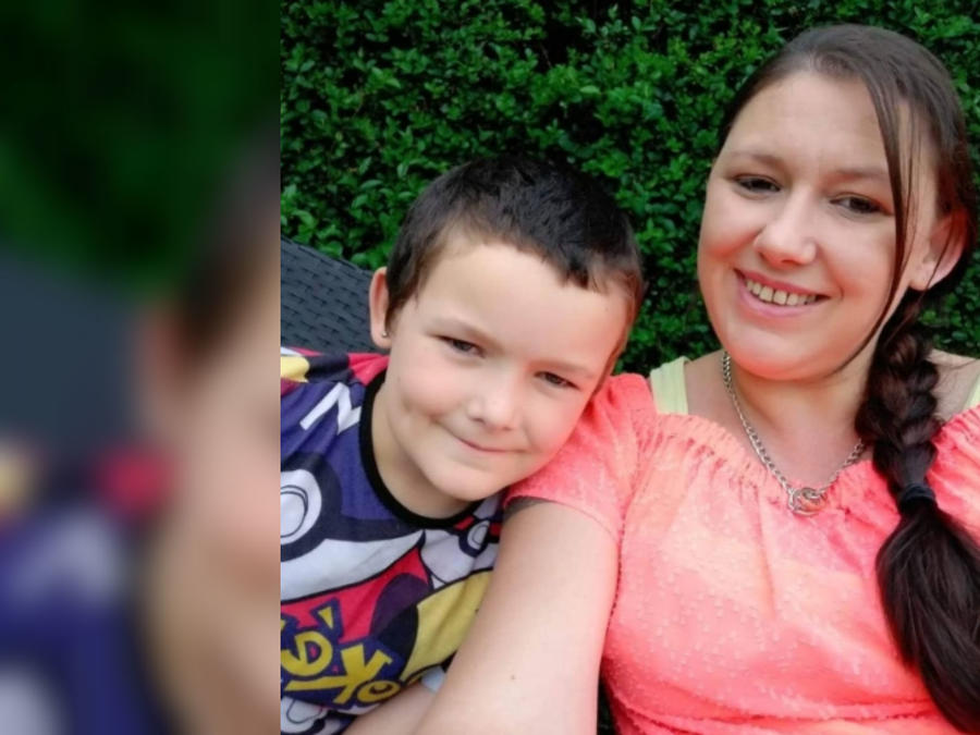 Liam Allen y su madre, Paula Allen