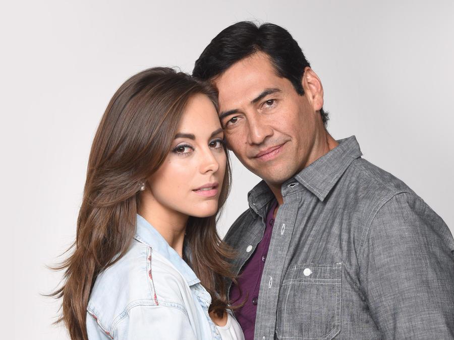 María Elisa Camargo y Gabriel Porras pareja en Bajo El Mismo Cielo