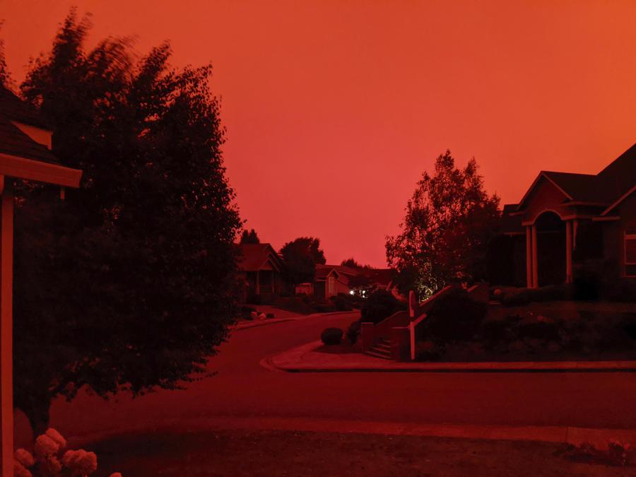 Esta foto tomada desde una casa en Salem, Oregon