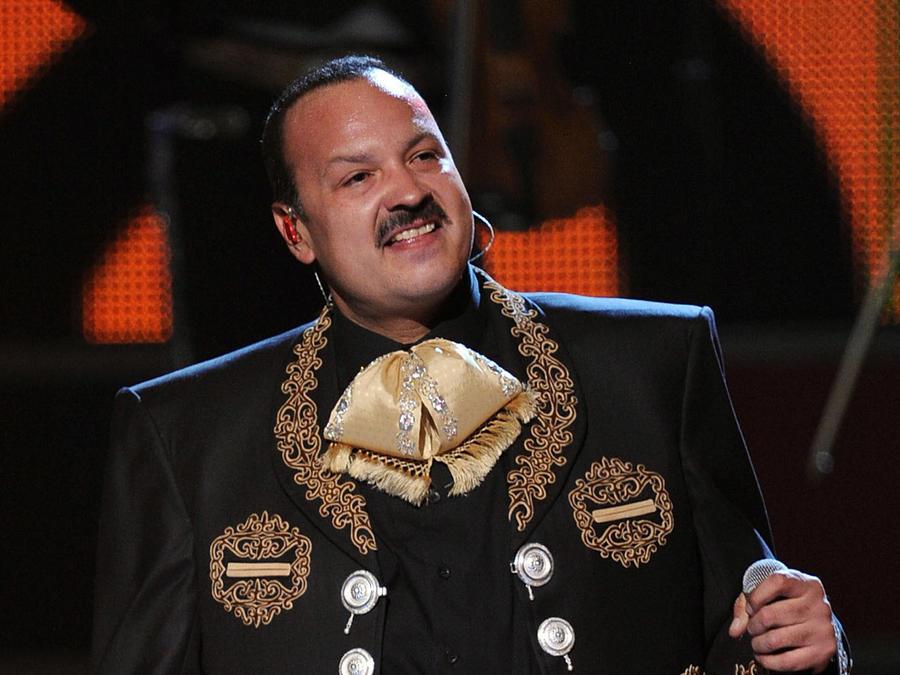 En El Candelero te contamos la verdad sobre la internación de Pepe Aguilar por una recaída