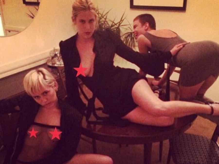 Scout y Rumor Willis con Miley Cyrus en Instagram