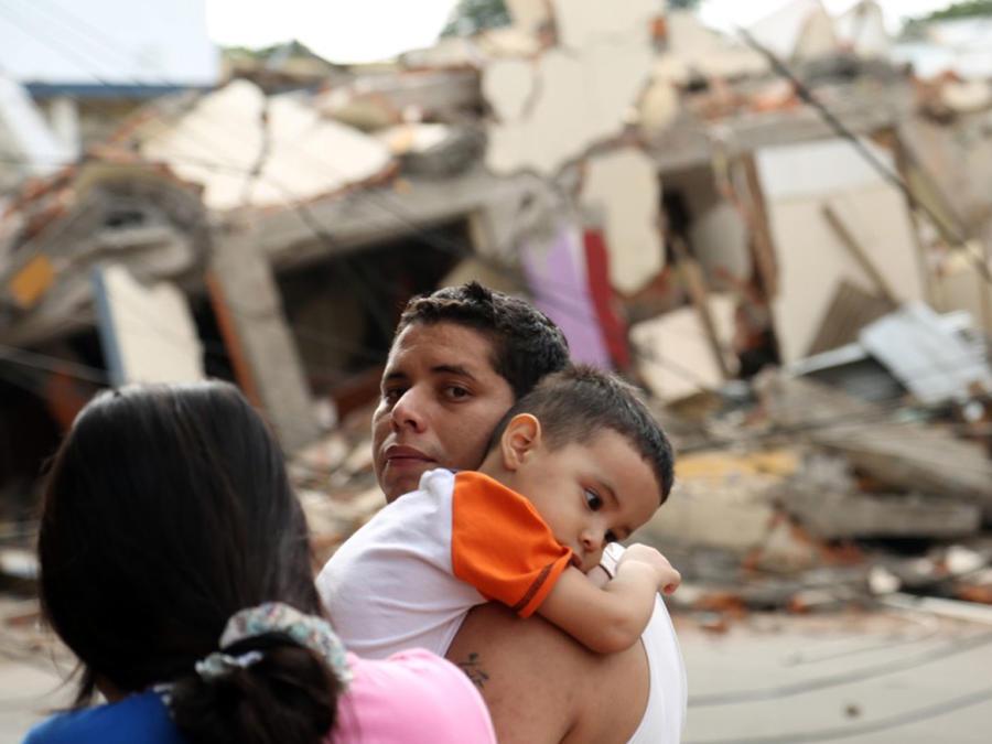 terremoto ecuador familia